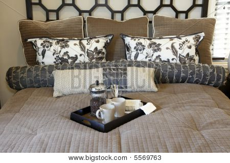 Bed and tray