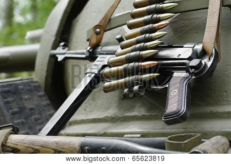 submachine gun