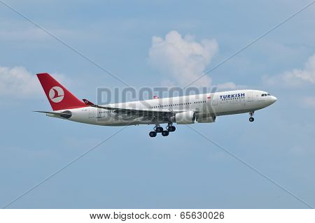 Turkish Airlines Airbus A330 Landing At Istanbul Ataturk Airport In Turkey (editorial)