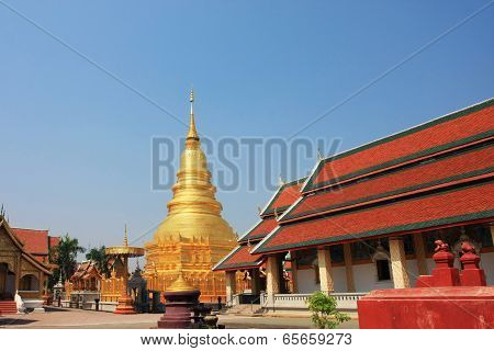 Tall golden Chedi