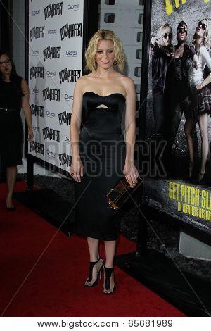 LOS ANGELES - SEP 24:  Elizabeth Banks arrives at the