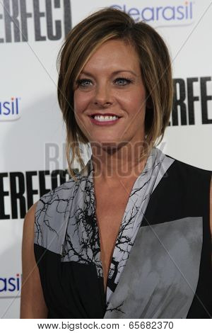 LOS ANGELES - SEP 24:  Kelly Hyland arrives at the
