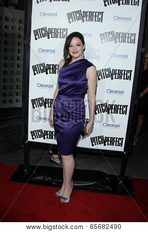 LOS ANGELES - SEP 24:  Shelley Regner arrives at the