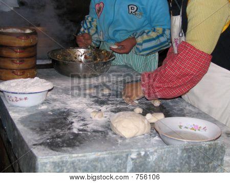 Cooking Domplings