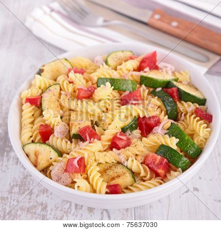 pasta cooked with vegetables