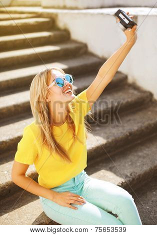Lifestyle Photo Pretty Hipster Girl Photographed On The Camera Makes Pictures