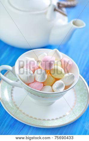 colored meringue tea