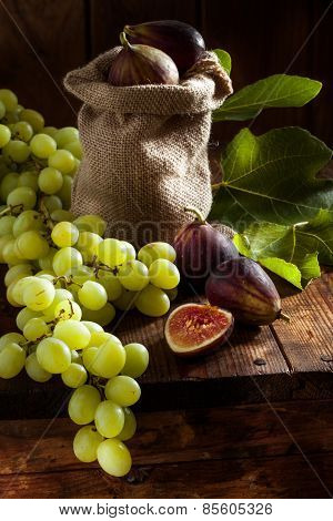 figs and grape