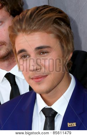 LOS ANGELES - MAR 14:  Justin Bieber at the Comedy Central Roast of Justin Bieber at the Sony Pictures Studios on March 14, 2015 in Culver City, CA