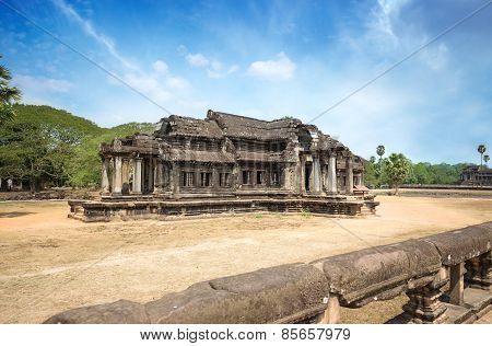 ancient khmer building