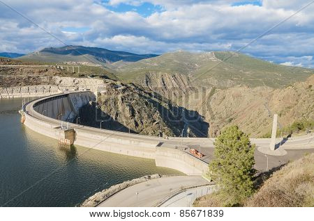 Scenic view of a dam in the Atazar Swamp in Madrid Spain.