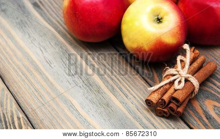 Fresh Red Apples With Cinnamon