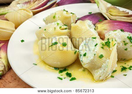 Pasta With Artichoke Cream