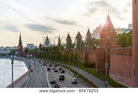 Moskvoretskaya Embankment And Kremlin