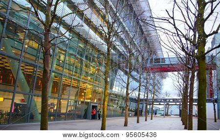 London,  Heathrow airport Terminal 5