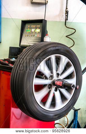 Balancing A Car Tyre