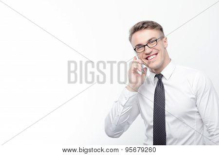 Businessman talking per mobile phone