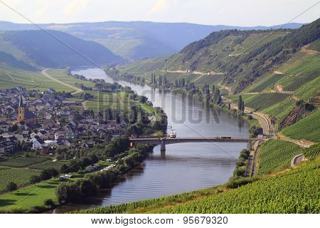 Beautiful scenery along the River Moselle Germany