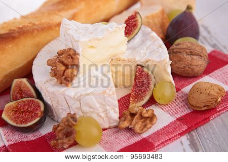 camembert with walnut and fig