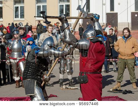Knights Axes Fight