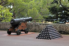 picture of cannon-ball  - Cannon and cannon balls near Royal Palace official residence of the Prince of Monaco - JPG