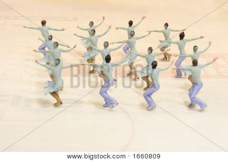Synchronouse Ice Skating