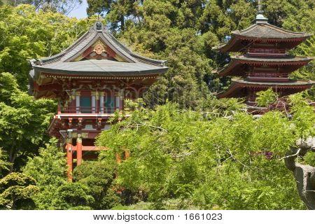 die japanische Teegarten Gate und Pagode