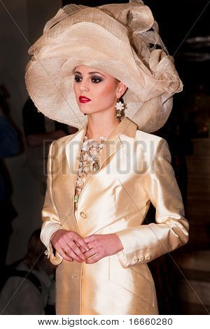 MOSCOW - SEPTEMBER,11: SLAVA ZAITSEV Fashion Show. The Birth Of Gold In the Jewelry Company Estet. September, 11, 2009 in Moscow, Russia.