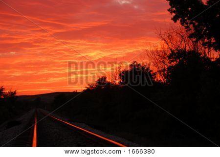 Sonnenuntergang über der Eisenbahn