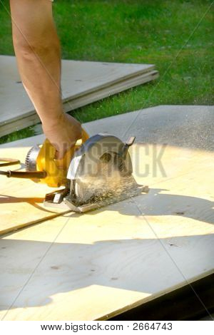 Saw Cutting Plywood