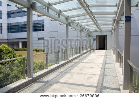 A link bridge between two buildings of a university