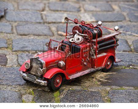 Réplica de caminhão de bombeiros