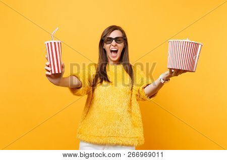 Crazy Young Woman In 3d