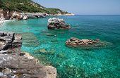 Постер, плакат: пляж Милопотамос Tsagarada один из самых красивых пляжей полуострова Пелион Греция
