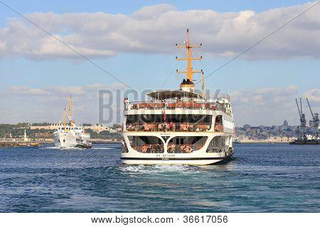 Veerboot zeilen naar Istanbul