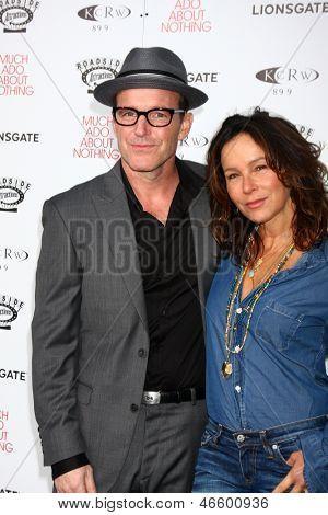 LOS ANGELES - JUN 5:  Clark Gregg, Jennifer Grey arrives at the