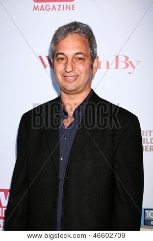 LOS ANGELES - JUN 2:  David Shore arrives at the WGA's 101 Best Written Series Announcement at the Writers Guild of America Theater on June 2, 2013 in Beverly Hills, CA