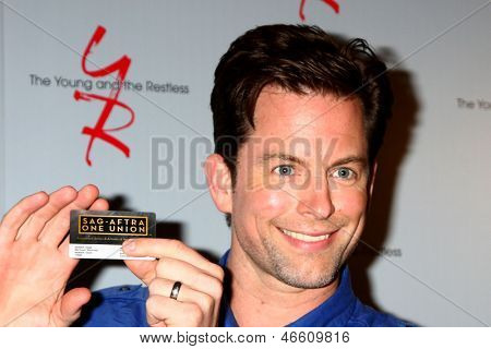 LOS ANGELES - JUN 4:  Michael Muhney, arrives at SAG-AFTRA Panel Discussion With The Cast Of