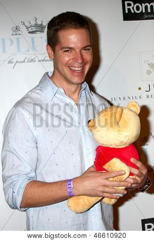 LOS ANGELES - JUN 9:  Jason Kennedy arrives at the 2013 Plush Show at the Hyatt Regency Century Plaza Hotel on June 9, 2013 in Century City, CA