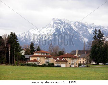 A Settlement Under Alps