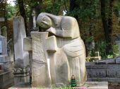 foto of burial-vault  - A monument at the graveside at the city - JPG