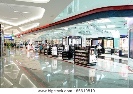 DUBAI, UAE - MARCH 31: airport interior on March 31, 2014 in Dubai. Dubai International Airport is a major airline hub in the Middle East, and is the main airport of Dubai.