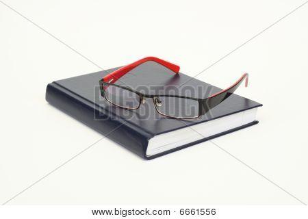 Organizer And Eyeglasses