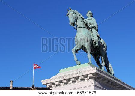 Statue Of Frederico Quinto Clementi