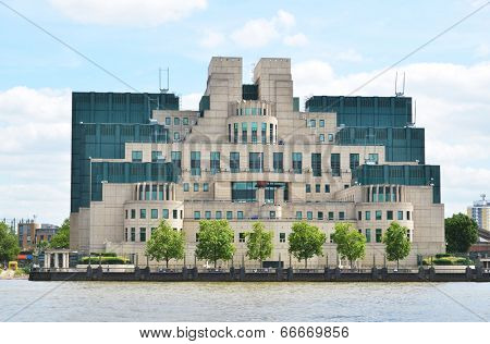 London, Secret Intelligence Service Building (SIS)