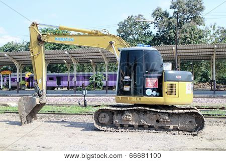 Private backhoe work for change railroad sleeper