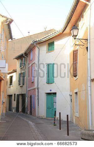 L'isle-sur-la-sorgue Street View