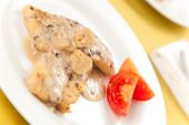 pic of mahi  - hake fillets with cheese sauce and mushrooms - JPG