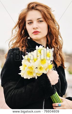 Tenn Girl With Daffodils