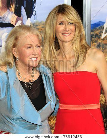 m LOS ANGELES - NOV 19:  Diane Ladd, Laura Dern at the